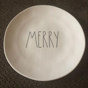 """New Rae Dunn Christmas """"Merry"""" Dinner Plate"""